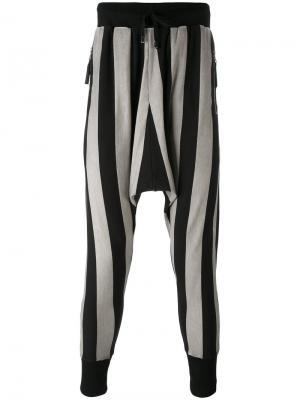 Полосатые брюки с заниженной проймой Unconditional. Цвет: чёрный
