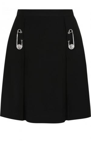 Однотонная мини-юбка с декоративными булавками Versus Versace. Цвет: черный