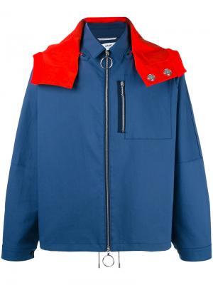 Куртка дизайна колор-блок Oamc. Цвет: синий