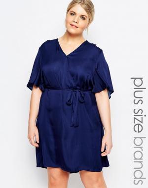 Carmakoma Платье с запахом. Цвет: темно-синий