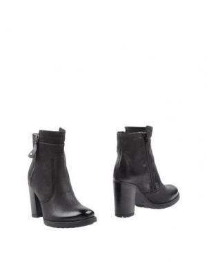 Полусапоги и высокие ботинки MANAS. Цвет: черный