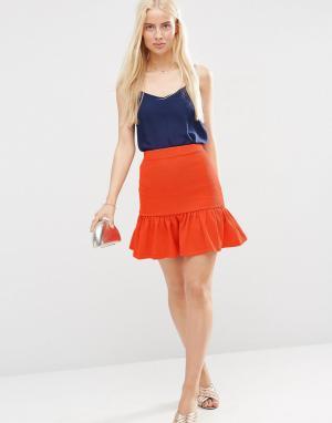 ASOS Фактурная мини-юбка с баской по краю. Цвет: оранжевый