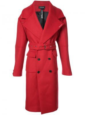 Пальто XL Icosae. Цвет: красный