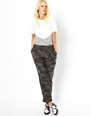 Шерстяные брюки с камуфляжным принтом White Tent. Цвет: серый камуфляж
