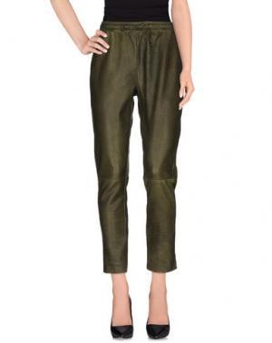 Повседневные брюки VINTAGE DE LUXE. Цвет: зеленый-милитари