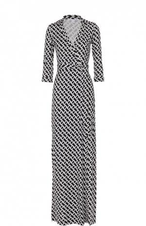Шелковое платье-макси с запахом и контрастным принтом Diane Von Furstenberg. Цвет: черно-белый