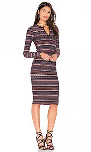 Платье в полоску division twenty. Цвет: красный