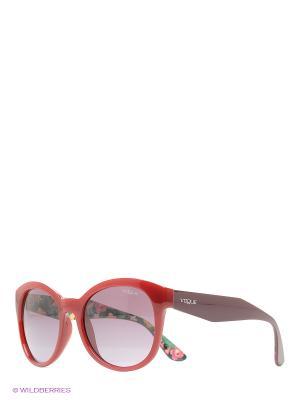 Очки солнцезащитные Vogue. Цвет: красный