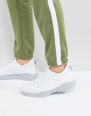 Jordan Белые кроссовки Nike Formula 23 Toggle 908859-100. Цвет: белый
