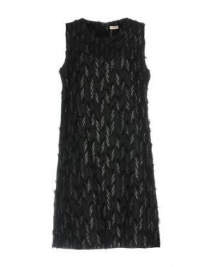 Короткое платье MOUCHE. Цвет: черный