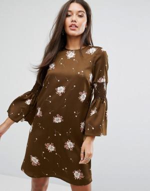 Y.A.S Платье с длинными расклешенными рукавами. Цвет: коричневый