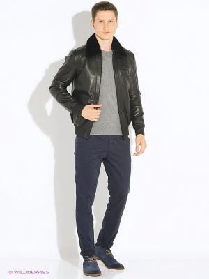Кожаная куртка VESIVIO. Цвет: черный