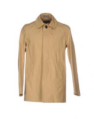 Легкое пальто GLOVERALL. Цвет: песочный