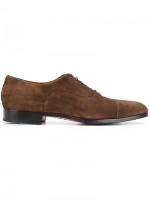 Классические туфли дерби Santoni. Цвет: коричневый