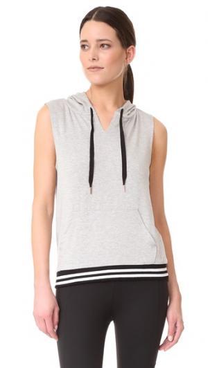 Толстовка с капюшоном Varsity без рукавов Beyond Yoga. Цвет: серый