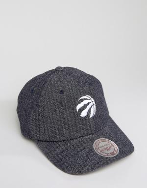 Mitchell & Ness Двусторонняя джинсовая кепка с регулируемой застежкой. Цвет: серый