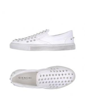 Низкие кеды и кроссовки GIENCHI. Цвет: белый