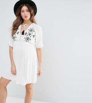 ASOS Maternity Пляжное платье с вышивкой. Цвет: белый