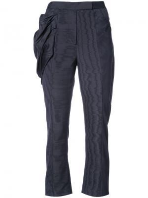 Прямые брюки с декоративной драпировкой Rosie Assoulin. Цвет: синий