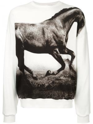 Толстовка с изображением лошади Yoshio Kubo. Цвет: белый