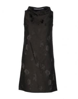 Короткое платье LAVINIATURRA. Цвет: темно-зеленый