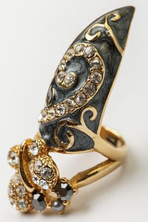Кольцо на ноготь Patricia Bruni. Цвет: серый