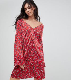 Glamorous Tall Чайное платье с длинными рукавами и цветочным принтом в винтажном стил. Цвет: красный
