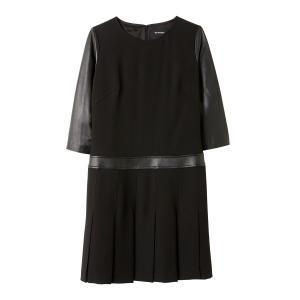 Платье прямого покроя с кожаными рукавами 3/4 THE KOOPLES. Цвет: черный