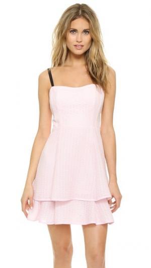 Платье с накладным элементом и завязками на спине Nanette Lepore. Цвет: розовый