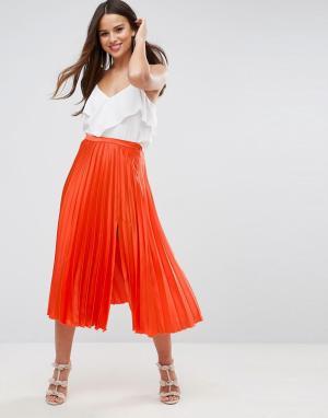 ASOS Атласная плиссированная юбка миди с разрезом сбоку. Цвет: оранжевый