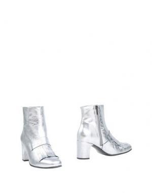 Полусапоги и высокие ботинки MARIAN. Цвет: серебристый