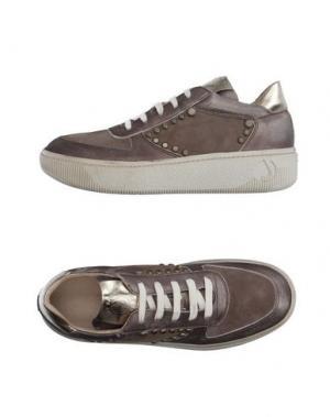 Низкие кеды и кроссовки JANET SPORT. Цвет: хаки
