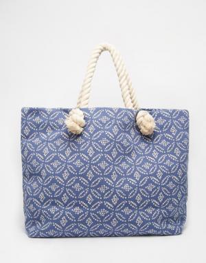 Buji Baja Парусиновая пляжная сумка с веревочными ручками. Цвет: в синий горошек