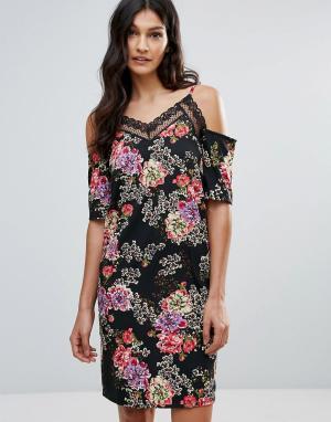 Daisy Street Платье с цветочным принтом и вырезами на плечах. Цвет: черный