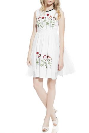 Платье с пышной юбкой Nothing but Love. Цвет: белый, кирпичный, красный