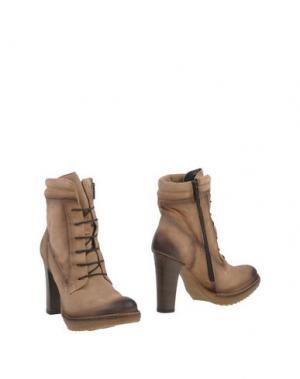 Полусапоги и высокие ботинки MANAS. Цвет: хаки