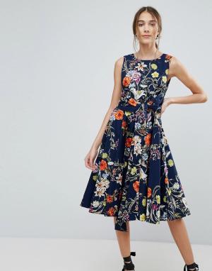 Uttam Boutique Приталенное платье миди с цветочным принтом. Цвет: темно-синий