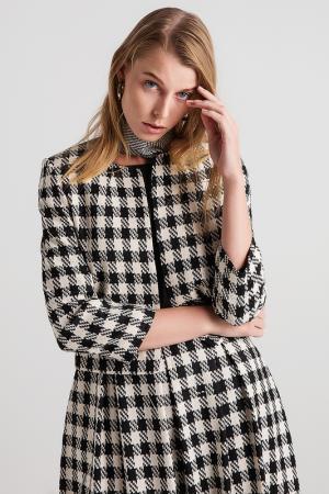 Пиджак BGN. Цвет: черный, белый