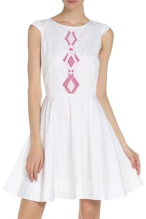 Платье WHO*S WHO. Цвет: белый