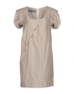 Короткое платье AQUILANO-RIMONDI. Цвет: бежевый
