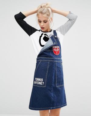 Mini Cream Джинсовое платье-комбинезон с нашивкой. Цвет: синий