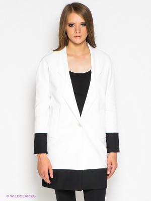 Пальто GUESS. Цвет: белый, черный