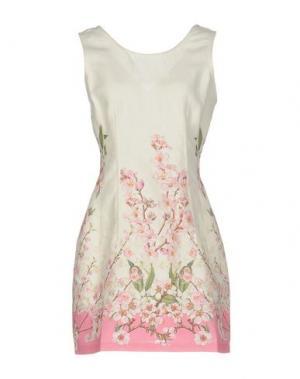 Короткое платье MISS NAORY. Цвет: слоновая кость