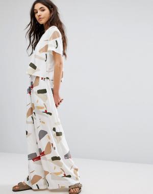 Native Youth Широкие брюки с абстрактным принтом. Цвет: мульти
