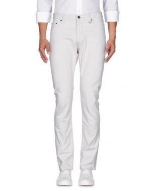 Джинсовые брюки JOHN VARVATOS. Цвет: бежевый