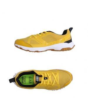 Низкие кеды и кроссовки STRD by VOLTA FOOTWEAR. Цвет: желтый