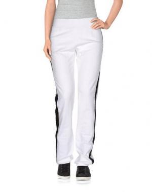 Повседневные брюки NAUGHTY DOG. Цвет: белый