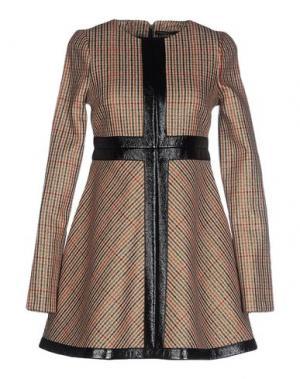 Короткое платье GAETANO NAVARRA. Цвет: коричневый
