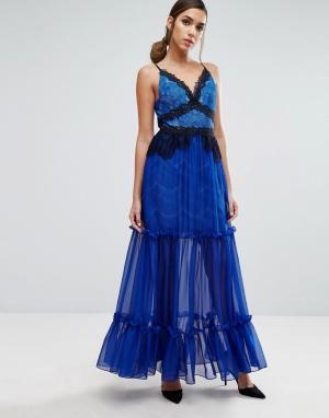 Three Floor Ярусное платье макси с кружевной отделкой. Цвет: синий