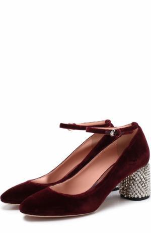 Бархатные туфли на декорированном каблуке Rochas. Цвет: бордовый